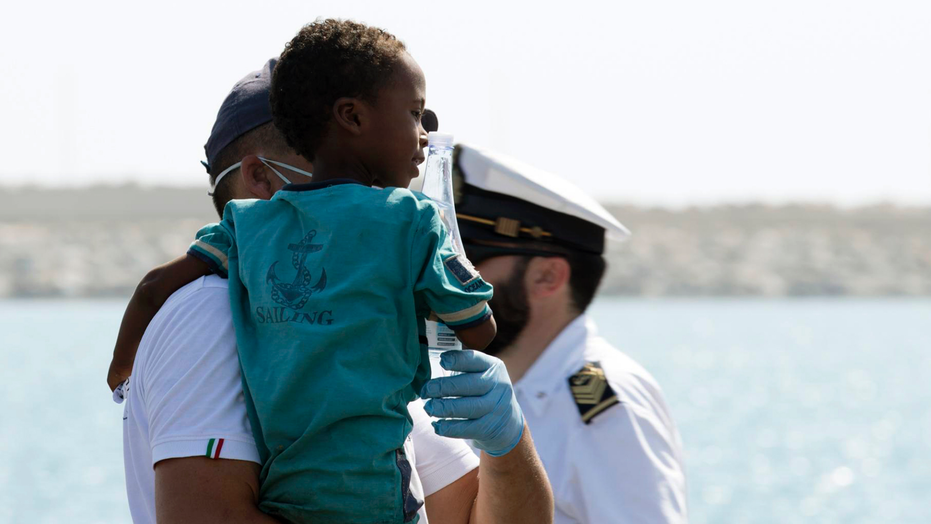 Italy rescues migrants, asks other countries to host them