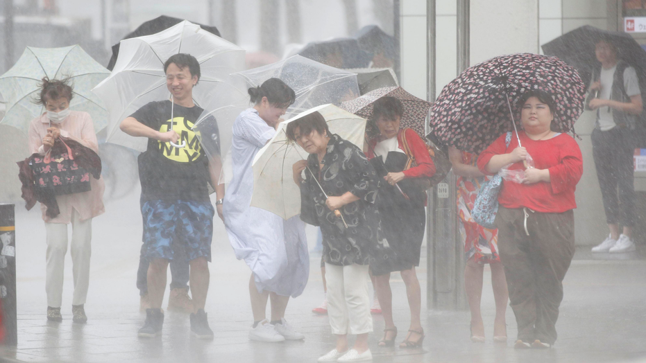 One missing as Typhoon Soulik hits Jeju Island