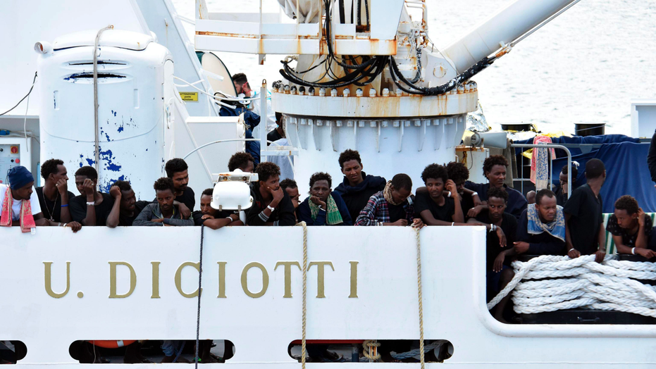 10 days after rescue, Italy lets all migrants leave a ship