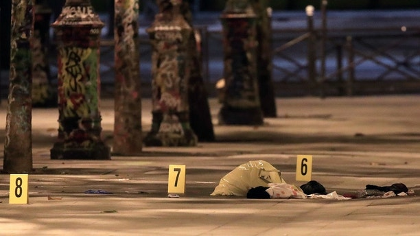 Evidences are seen on the pavement after seven people were wounded in knife attack downtown Paris, France, September 10, 2018. REUTERS/Gonzalo Fuentes - UP1EE991UKL2V