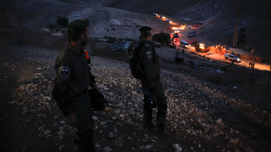 Israeli forces take down protest huts at West Bank Bedouin village ZlotoNews