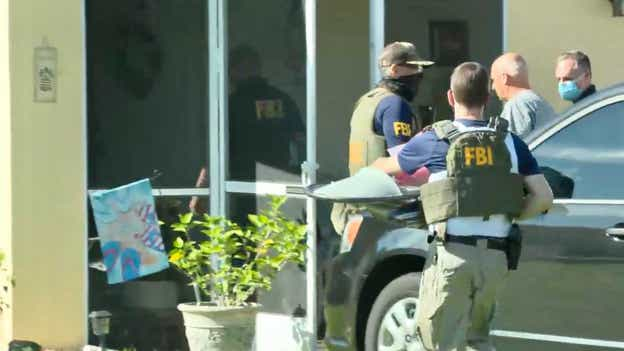 FBI brings items into Laundrie's home