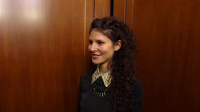 Modalyst CEO Jill Sherman has 30 seconds to make a pitch for her business in a moving elevator.