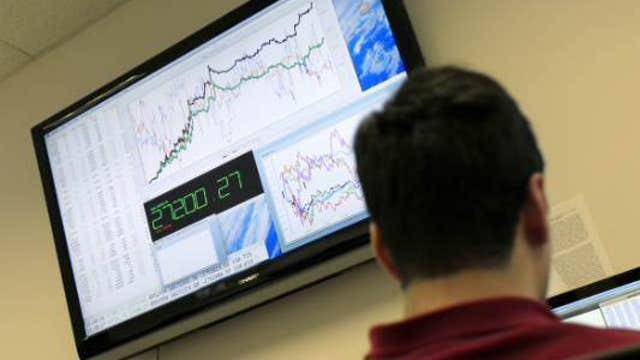 European markets slip before U.S. jobs data