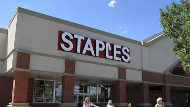 Staples cutting hours, planning job cuts due to ObamaCare