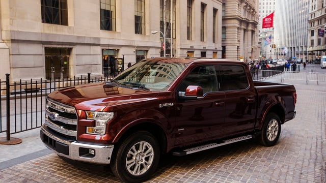 Americans continue buying SUVs and trucks