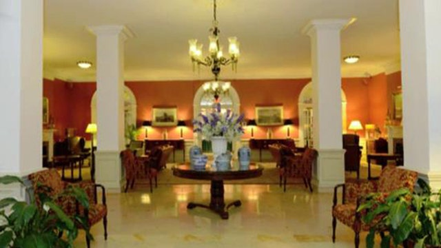 Heartbreak hotel: Get away while getting divorced