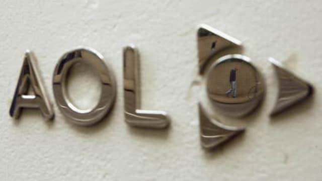 AOL 4Q earnings beat expectations, revenue falls short