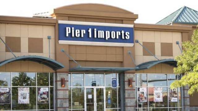 Pier 1 Imports slashes guidance, replaces CFO