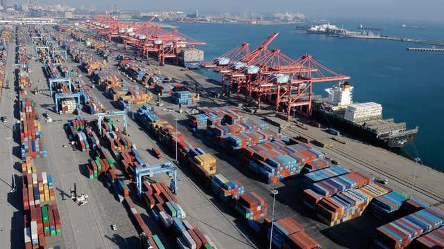 Labor dispute halts West Coast port operations on weekends