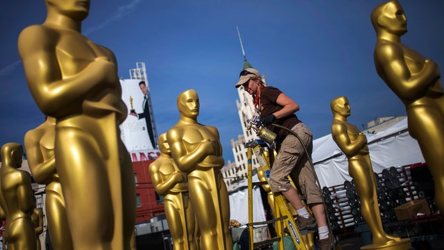 Who is in the lead to win the Academy Awards?