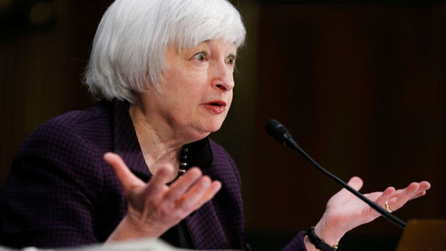 Hilsenrath: Yellen setting stage for mid-year rate increase