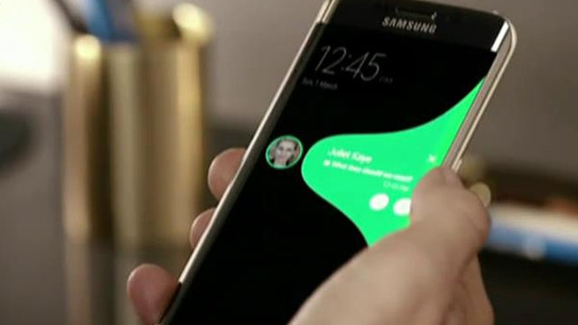 Samsung unveils S6, mobile payments