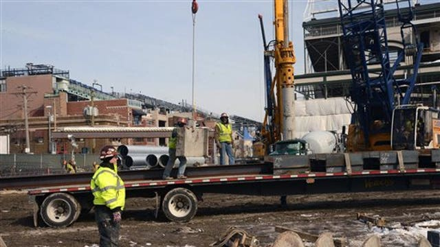 Winter weather causing construction delays on Wrigley field