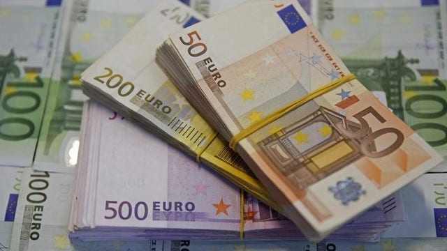 Will the falling euro trigger a sell off?