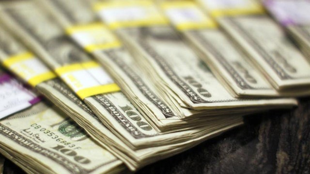 The strong dollar putting U.S. economy at risk?
