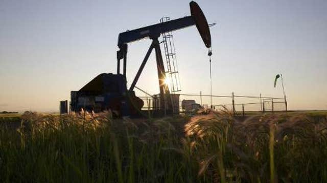 Why oil continues to selloff