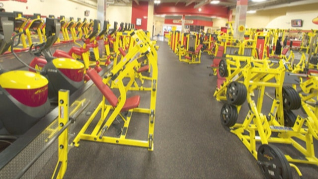 FBN's Charles Payne on how Retro Fitness CEO Eric Casaburi turned his passion into a successful franchise.