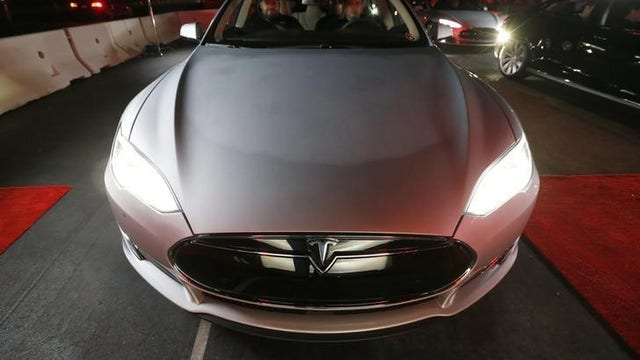 FBN's Liz MacDonald breaks down the specs of Tesla's Model S sedan.