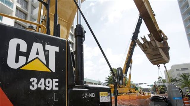 Caterpillar CEO Doug Oberhelman discusses first-quarter earnings, the impact of low oil prices and strong U.S. dollar and the company's future.