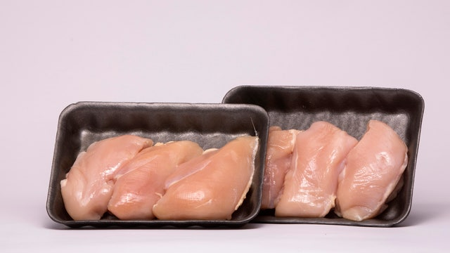 Lenox Hill Hospital Chairman of Urology Dr. David Samadi explains why it's a good idea to remove antibiotics from chicken.