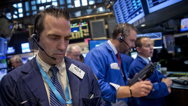 Why are we seeing a flat economy in 2015?