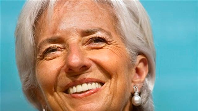 IMF Managing Director Christine Lagarde argues the U.S. should delay rate hikes until 2016.