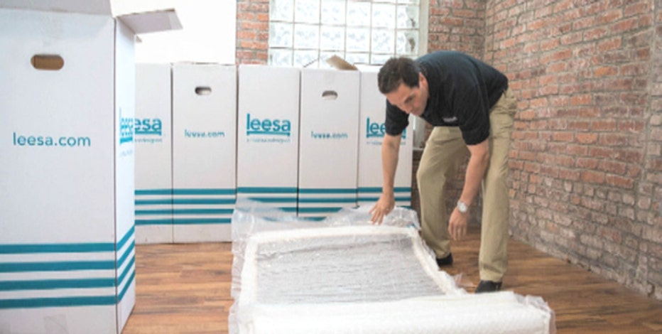 FBN's Charles Payne on the quick success of online luxury mattress startup Leesa.