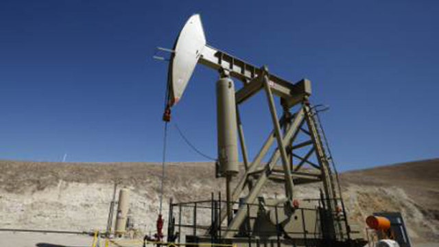 BP Capital Management's T. Boone Pickens on the decline in oil prices and the impact on jobs.