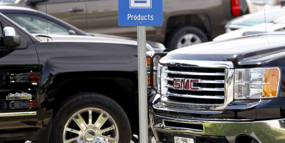 FBN's Jeff Flock and Wall Street Journal Auto Editor Jeff Bennett on GM increasing production on big SUVs and trucks.