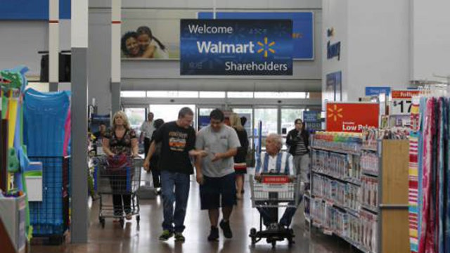The Street Senior Columnist Brian Sozzi on concerns about Wal-Mart's outlook.