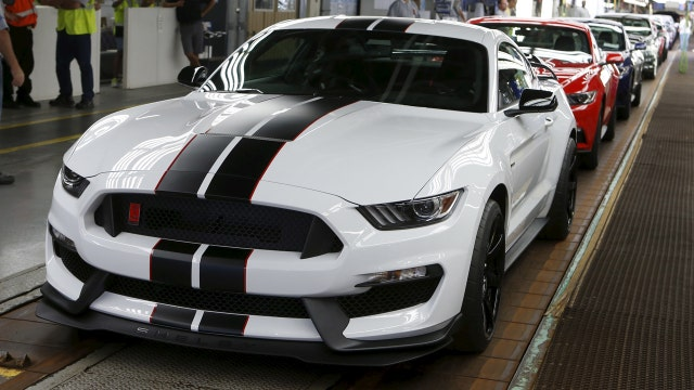 FNC Automotive Editor Gary Gastelu on reviews Ford's new Mustang Shelby GT350.
