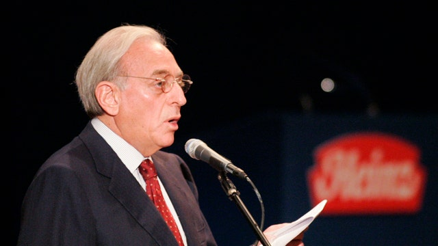 FBN's Charlie Gasparino reports that Nelson Peltz secretly met with DuPont board members.