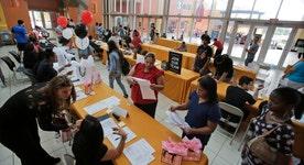 U.S. economy adds 271K jobs in October