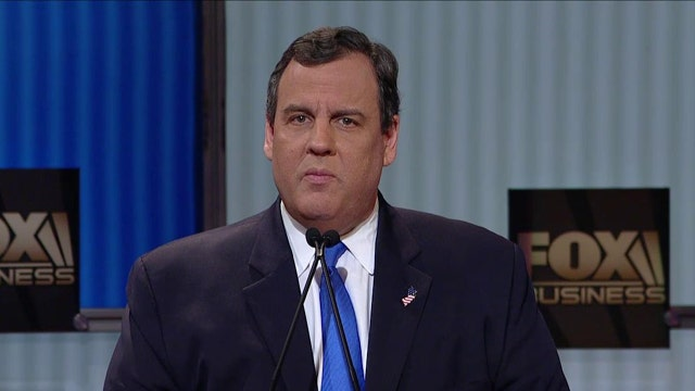 Christie: Hillary Clinton as president will lead to greater war