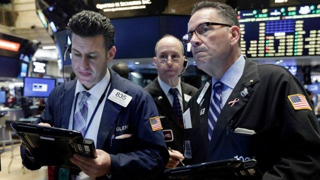 Oil falls for second-straight day, stocks slide