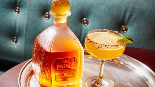 FOXBusiness.com's Jade Scipioni makes the $1200 'Billionaire's Margarita' at New York City's The London Bar.