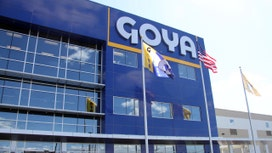 Goya's global family&#x3b; Employees and customers