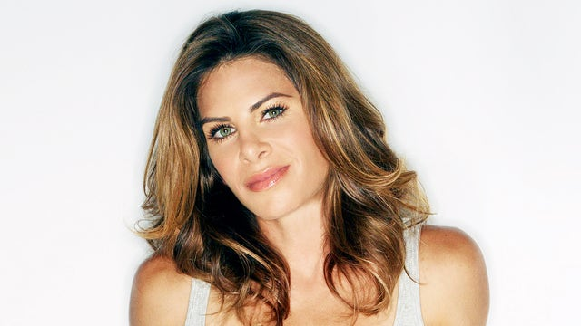 Fitness entrepreneur Jillian Michaels and Thrive Market co-founder Gunnar Lovelace talk to FOXBusiness.com's Jade Scipioni about how they are shredding organic food prices.