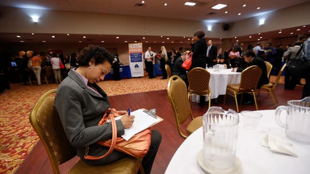 Weekly jobless claims rise to 313,000