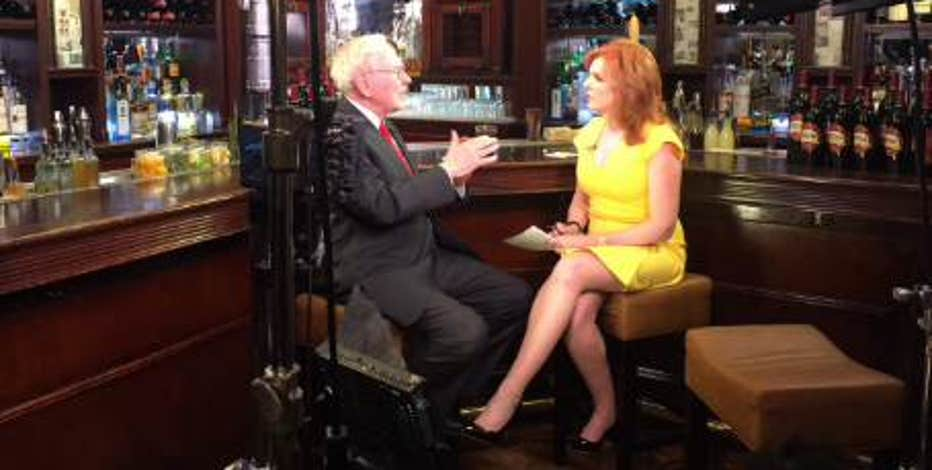 Berkshire Hathaway Chairman and CEO Warren Buffett talks 2016 politics in an exclusive interview with FBN's Liz Claman.