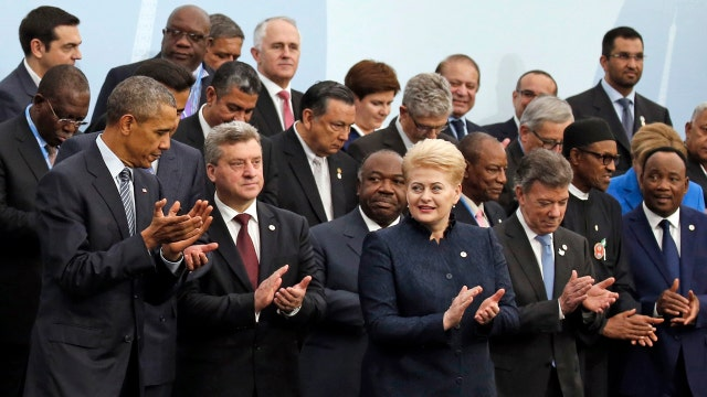 Obama, world leaders discuss climate change in Paris