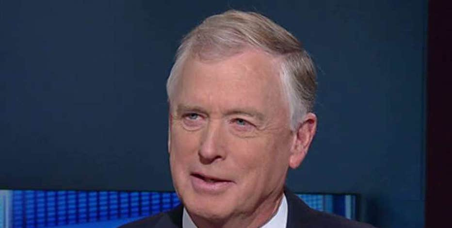 Former Vice President Dan Quayle discusses the crowded GOP field in the race for the White House.
