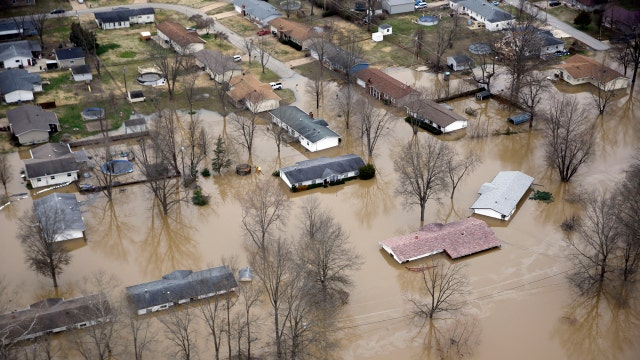 Midwest braces for more flooding as rivers rise