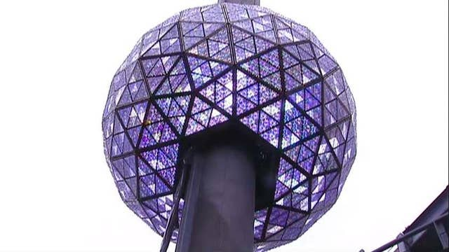 Waterford Crystal Master Artisan on the Times Square ball
