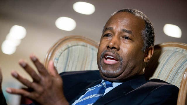 Two top Carson aides resign