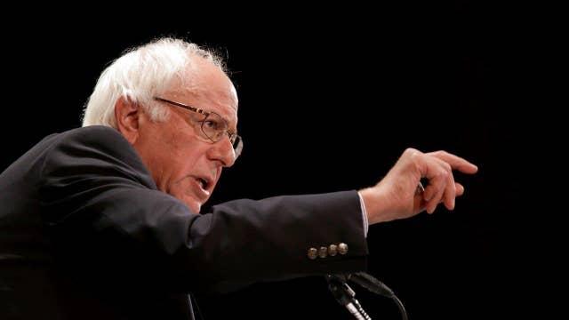Bernie Sanders closes in on Hillary Clinton