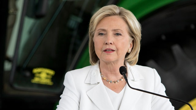 Report: Aides resisted DOS suggestion that Clinton use State.gov email account