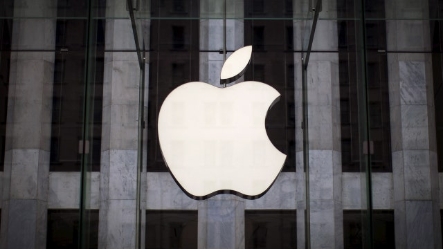 Apple beats on fiscal 1Q EPS; misses on revenue, iPhone sales