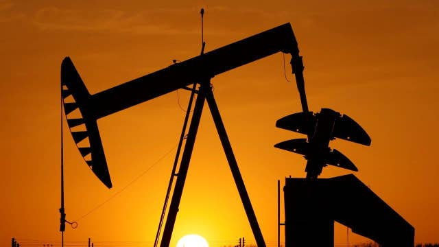Oil prices fall despite tensions between Saudi Arabi, Iran